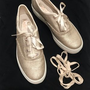 Rose gold metallic matte platform Keds, 6.5
